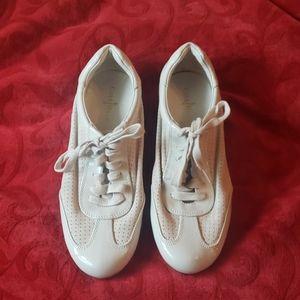 Cole Haan Cream shoes NWOT